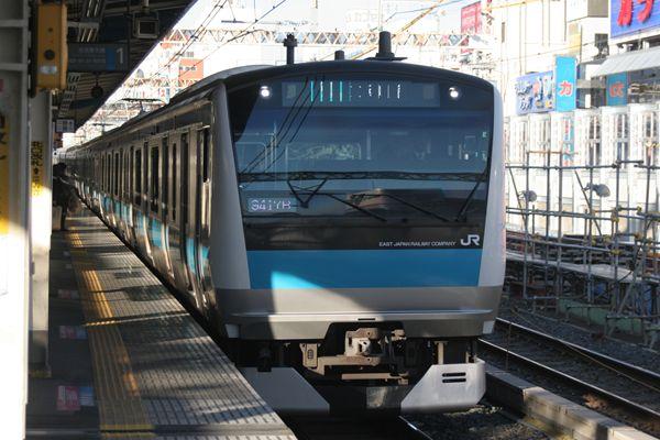 年末年始の特別ダイヤで運転する京浜東北線