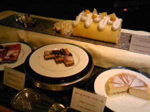 「ゴールデンマンゴーロールロングロング」セイルフィッシュカフェ(沖縄)