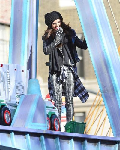 Cher_Lloyd_131201_04.jpg