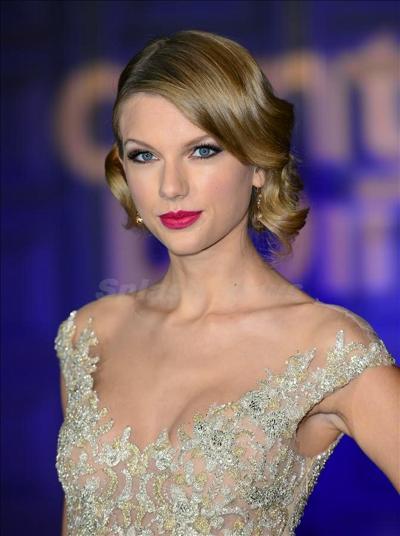 Taylor_Swift_131128_01.jpg