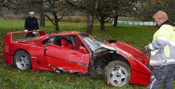 Ferrari F40 Crash In Germany Hurts 40391 7 Jpg