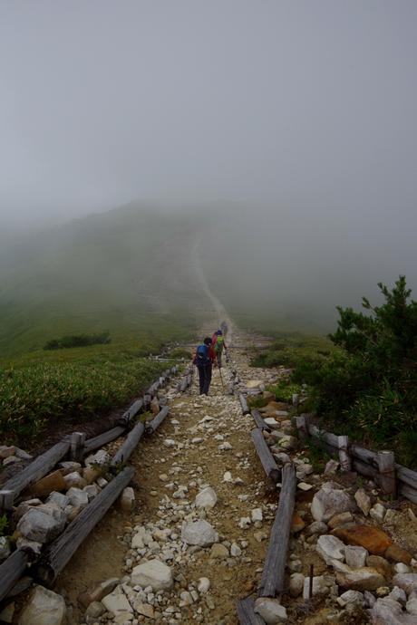 201208薬師岳06