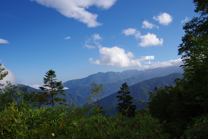 201209薬師岳46