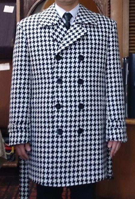 大きい千鳥格子のコート