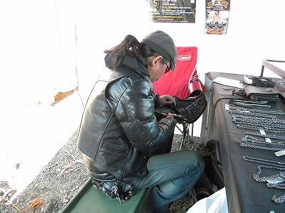 SHAKE HANDS MTG 2012-03-25 064