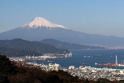 800px-Mt_Fuji_at_Nihondaira.jpg