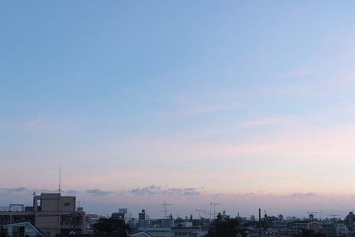 夜明け前の青