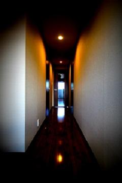 水辺の隠れ家~廊下