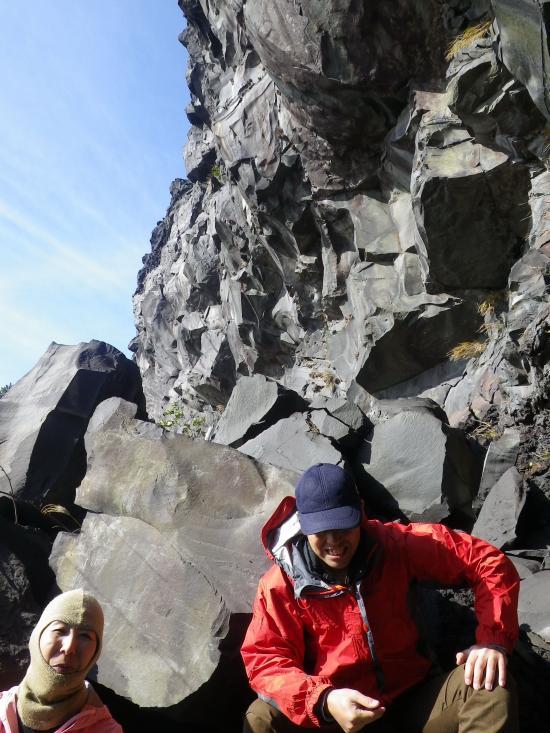 背後は安永の溶岩