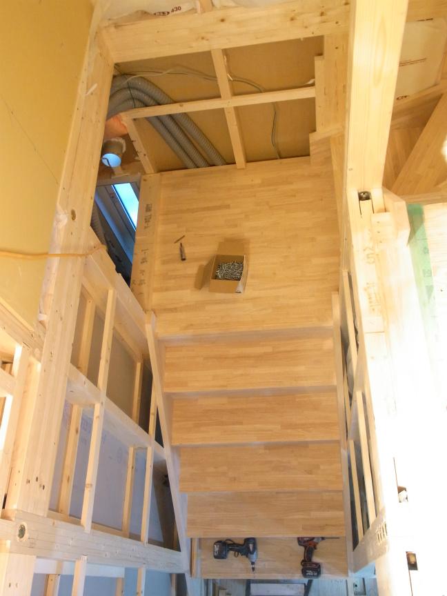 2.16 階段上から