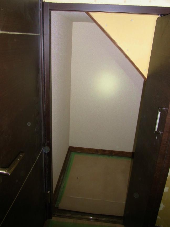 3.10階段下収納 明け
