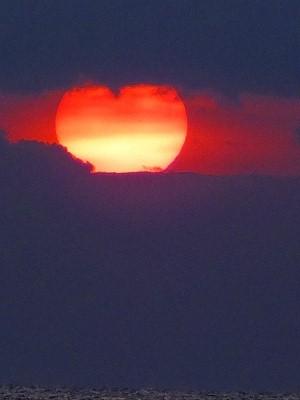 ハート形の朝日