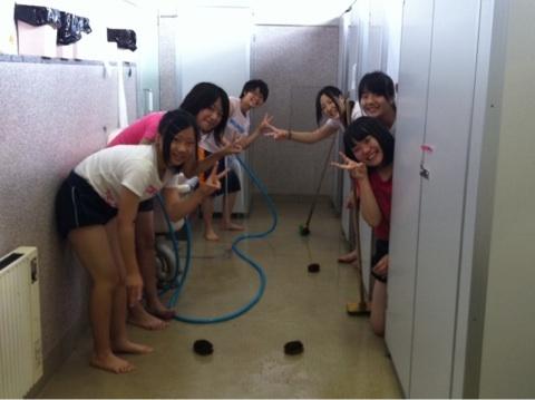 朝鮮中高吹奏楽トイレ掃除