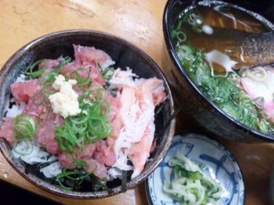 141023千成餅食堂日替わりサービスにしんそばとカニまぐろ丼800円丼はミニだがマグロとカニがいっぱい