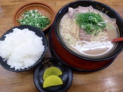 141113うま屋ラーメン錦店ラーメンセット580円