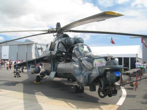 Mi-24_Super_Agile_Hind_on_ground_2006_convert_20110809021506_convert_20110809021735.jpg