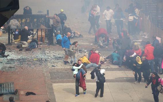 ボストンマラソン爆弾テロ 写真