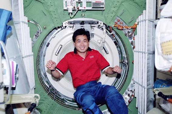 若田光一 国際宇宙ステーション 画像