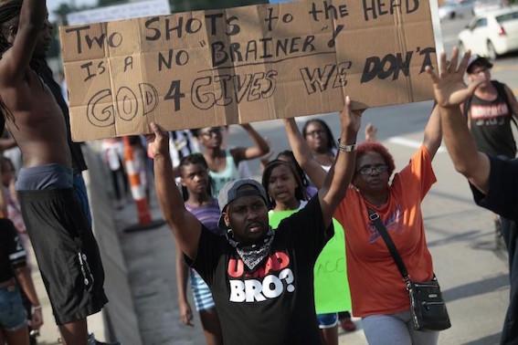 米国ミズーリ州 黒人 射殺 デモ