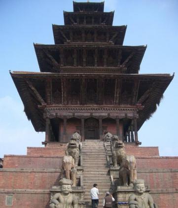 バクタプル ニャタポラ寺院
