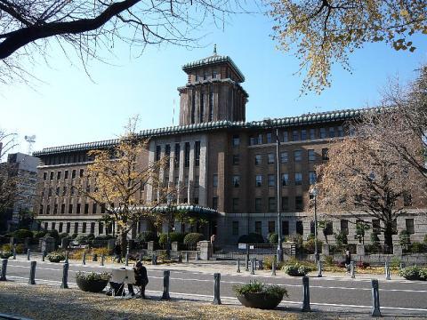 神奈川県庁…キングの塔