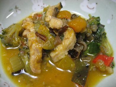 お嬢さんズ晩御飯・穴子入り野菜たっぷりカレー風スープ