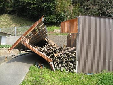 小屋 倒壊