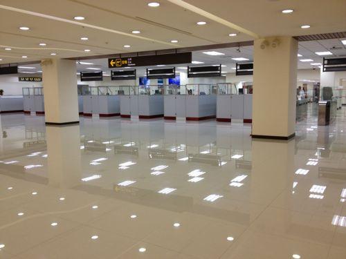 松山空港ラウンジ入り口から