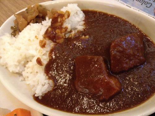 羽田空港国際線サクララウンジ名物カレーライス