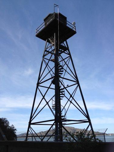 監視のための塔