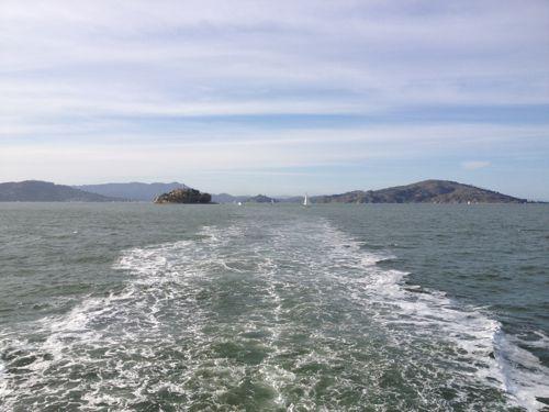 帰りの船から見るアルカトラズ