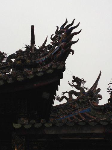 屋根の上の龍2