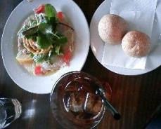 ランチセット(本日の魚のカルパッチョ、ライ麦パン、 ドリンク)
