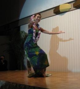 ソロダンサーによるケカリネアウ(Hawaiian Wedding Song)