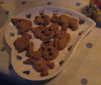 さっき焼いてたクッキーが出てきました!