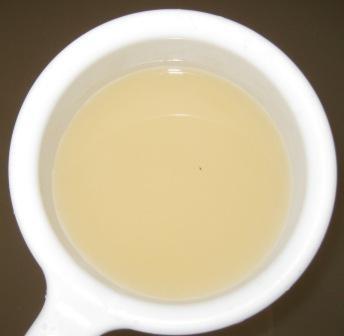 お湯の色はオレンジ色の乳白色♪