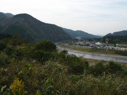阿賀野川が眼下に広がります…
