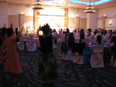 みんなで踊ってます!