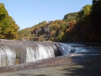 P1010968吹き割れの滝