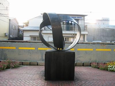 横溝正史生誕の碑