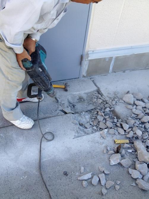 コンクリートはずり工事