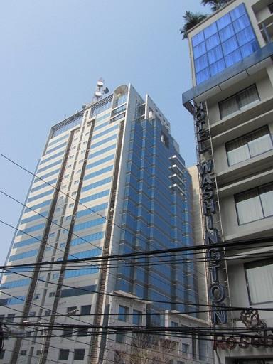 ダッカに続々と建設される近代的な高層ビル