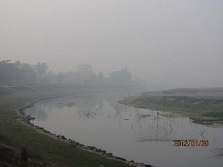 ディナジプールマラソン、スタート地点の河
