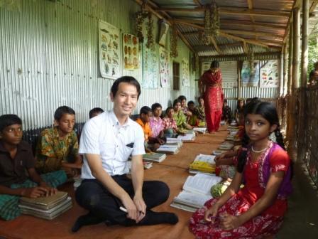 Ananda Schoolの生徒たちと