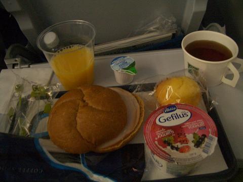 フィンランド航空機内食ヘルシンキから成田朝食