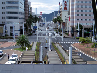 高知駅から望む高知駅前の街並み