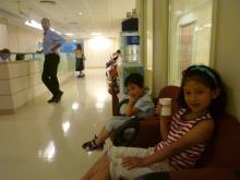 イスタンブール生活のABC-病院待合室