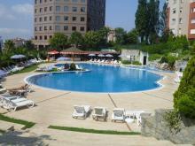 $イスタンブール生活のABC-マヤパークのプール