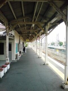 中間駅-01