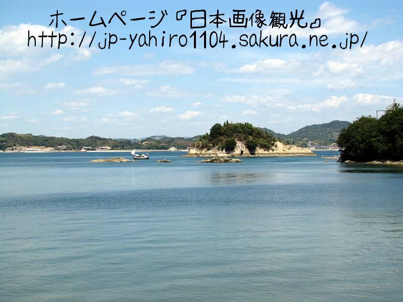 岡山・しまなみ海道、生口橋から見た生口島金山港
